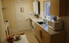 Photo of the kitchen in 56 Huntingdon Road